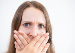 a woman guilty for poor oral hygiene